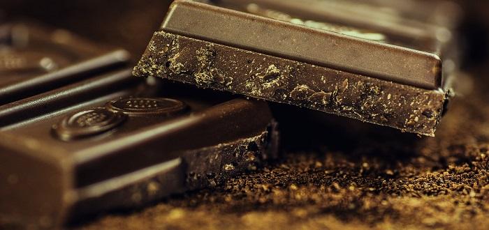 ¿También has oído decir que el chocolate causa acné?