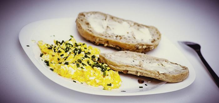 huevos por la mañana, perder peso