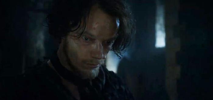 Psicólogo revisa el estado mental de los personajes de Juego de Tronos, Theon Greyjoy