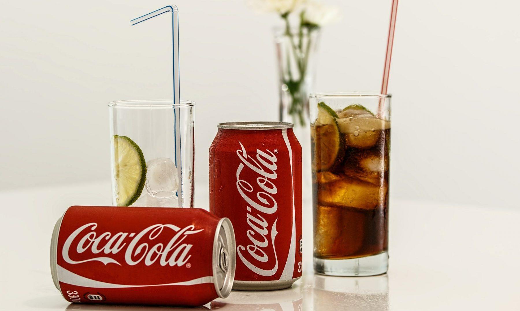 Porqué Las Latas De Coca Cola Son De Su Característico Color