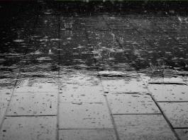 Lluvia de sangre o lluvia roja. Puede sucede