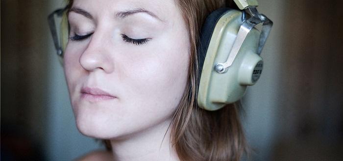 Si se te eriza la piel escuchando música, tu cerebro funciona diferente al de la mayoría