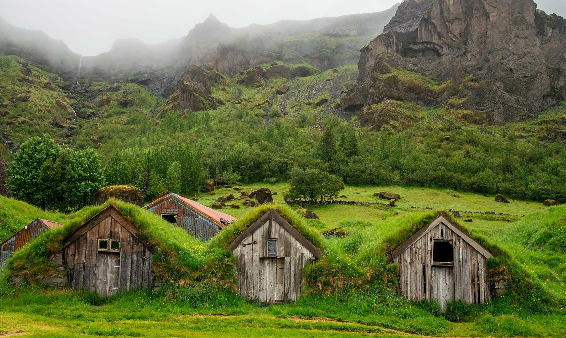 Maravillas vikingas las tradicionales casas de c sped de islandia - Casas en islandia ...