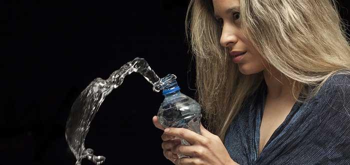 Hiperhidratación, la intoxicación por agua que puede llevarte a la muerte