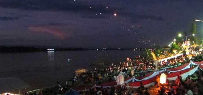 Las misteriosas Bolas de Fuego de Naga en Tailandia