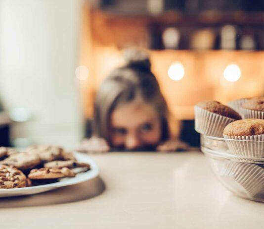 ¿Por qué tenemos Antojos de Comida? | Causas y Remedios