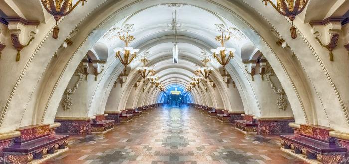 curiosidades de asia, Rusia, pasillo del metro de moscú