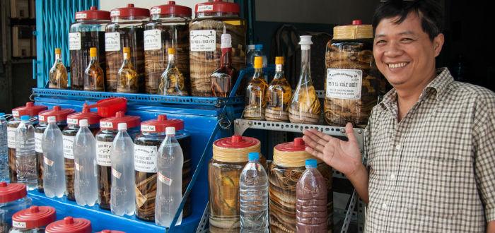 curiosidades de asia, vietnam, vino de serpiente