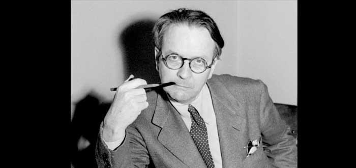 5 famosos escritores que empezaron a escribir cumplidos los 50