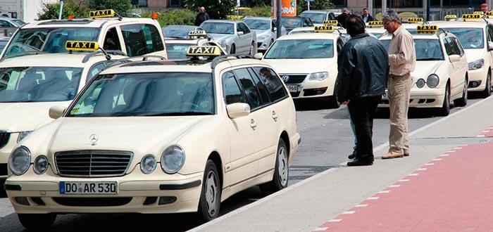 curiosidades de Alemania, taxi mercedes