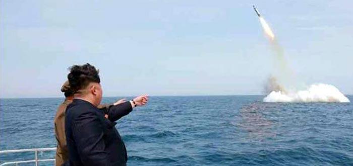 Curiosidades de Corea del Norte, Kim Jong-un, photoshop misil