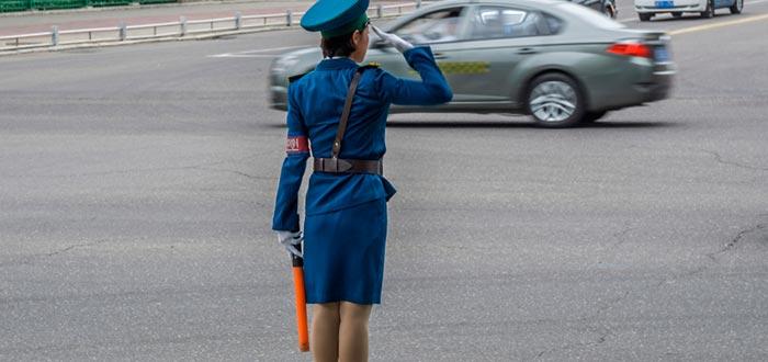 Curiosidades de Corea del Norte, señorita de tráfico