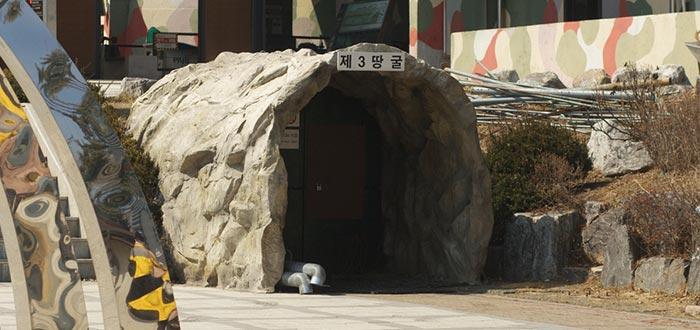 Curiosidades de Corea del Norte, túneles