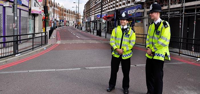 datos curiosos de Inglaterra, policías ingleses