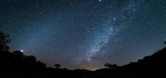 mitos de Hera, Vía Láctea, Esposa de Zeus