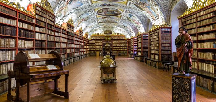 bibliotecas con murciélagos
