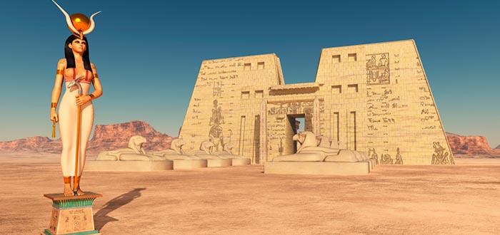 Hathor, diosa del amor egipcio, recreación