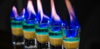 Las 10 bebidas con más alcohol del mundo | ¡No aptas para principiantes!