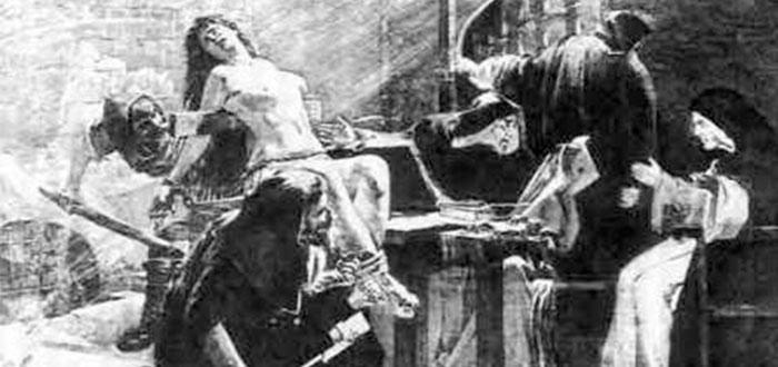 5 Pruebas terribles que hacían en los Juicios a brujas en Europa | ¡Macabras!
