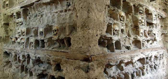 construcciones con huesos humanos