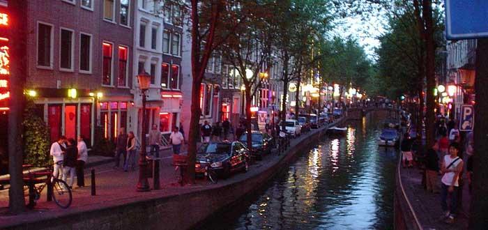 30 Curiosidades de Amsterdam fascinantes | Con Imágenes