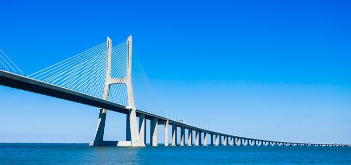 Curiosidades de Portugal, Puente de Vasco de Gama