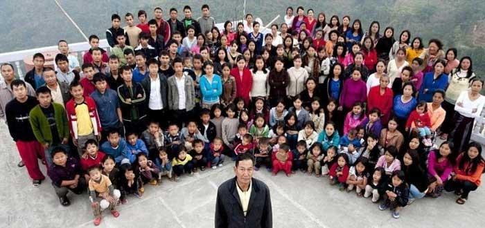 La familia más numerosa del mundo | 39 esposas y 94 hijos