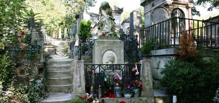 20 Curiosidades del cementerio del Père Lachaise de París | Escalofriante