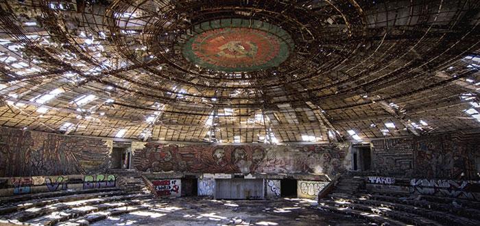 edificios abandonados, sede del partido comunista en bulgaria
