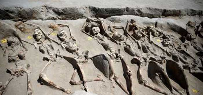 Esqueletos encadenados cerca de Atenas | ¿Quiénes eran? ¡Descúbrelo!