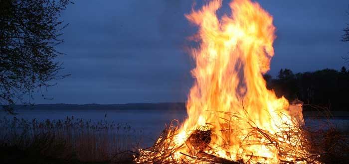 Descubrimiento del Fuego | El Origen del Fuego, Historia y Curiosidades