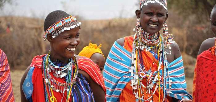 mujeres de la tribu maasai