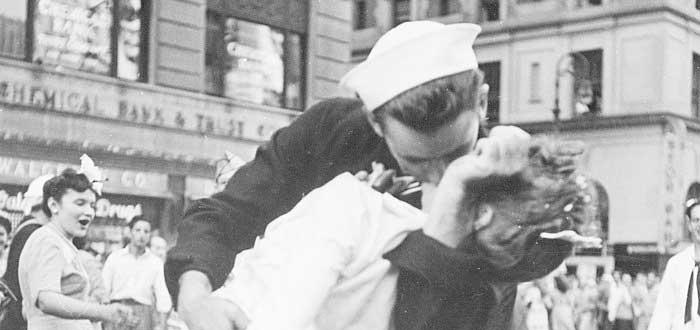 Día Internacional del Beso | Origen y Significado del 13 de Abril