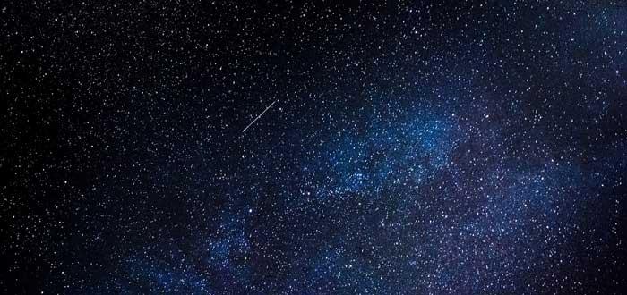 ¿Por qué brillan las Estrellas? | Descubre si las estrellas tienen luz propia