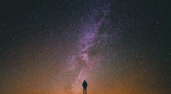 Por qué brillan las estrellas, Las estrellas tienen luz propia