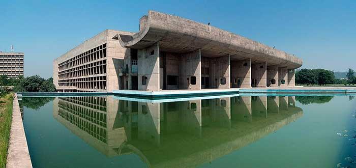 Las 5 Obras de Le Corbusier más Famosas | Capitol Complex
