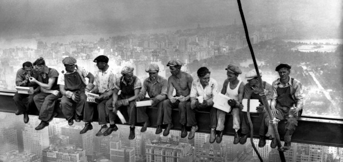 5 Famous Photographs of History | Lunch on top of a skyscraper