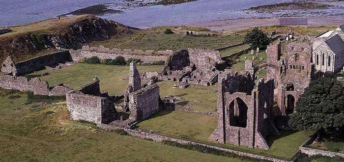 Lindisfarne | 10 Datos del ataque que inició la era vikinga