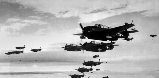 Batalla de Midway   Las fuerzas estadounidenses contra las japonesas