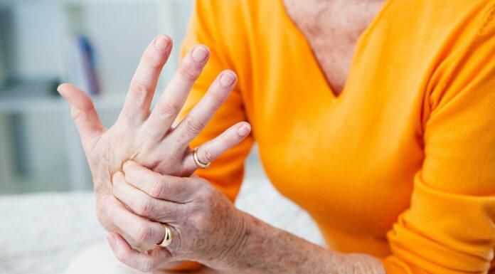 Artrosis: conozca cómo prevenir esta enfermedad degenerativa