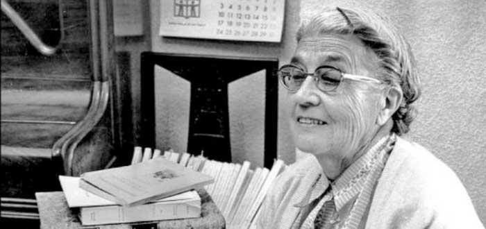 Quién fue María Moliner | La mujer que con un lápiz escribió un diccionario