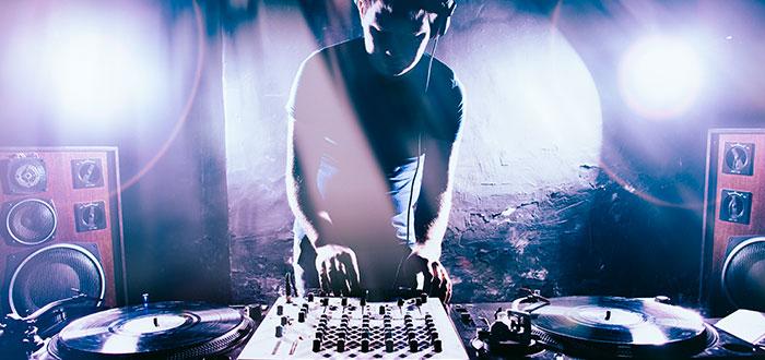 ¿Dónde encontrar el mejor material para tus sesiones de DJ?