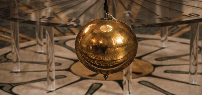 Péndulo de Foucalt, la historia del péndulo