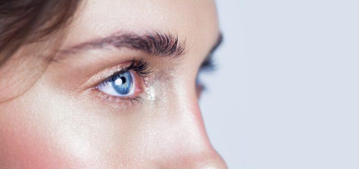 Qué determina el color de los ojos