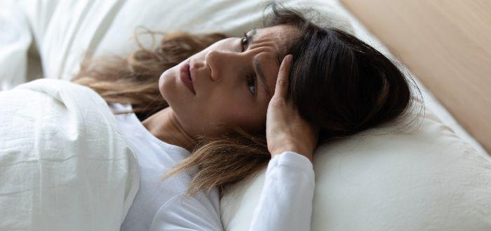 Se puede dormir con los ojos abiertos, algunas personas sí