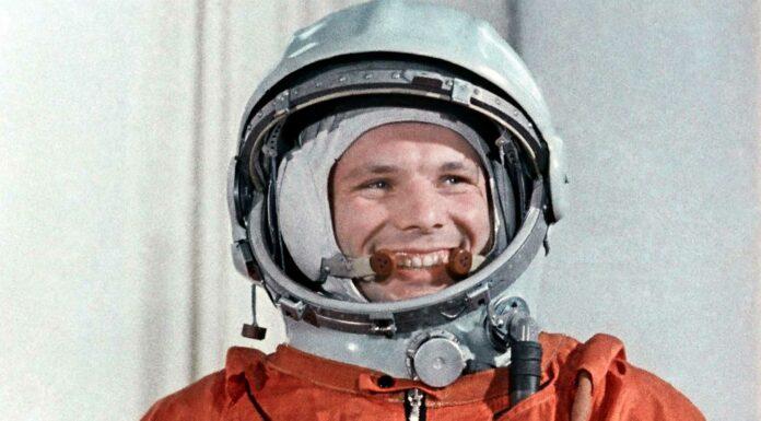 el primer hombre en el espacio
